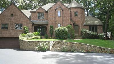 Cranston Single Family Home For Sale: 128 Oaklawn Av