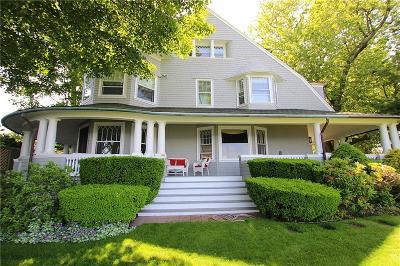 Cranston Single Family Home For Sale: 42 Bluff Av