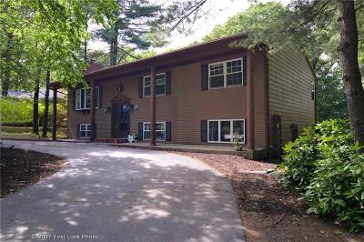 Johnston Single Family Home For Sale: 1 Apple Tree Lane