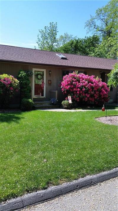 Johnston Single Family Home For Sale: 112 Waveland Av