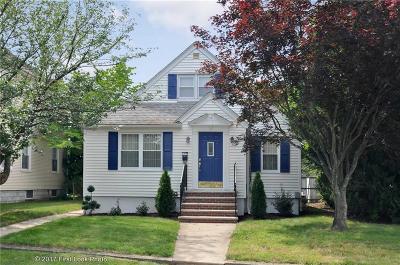 Cranston Single Family Home For Sale: 52 Florida Av