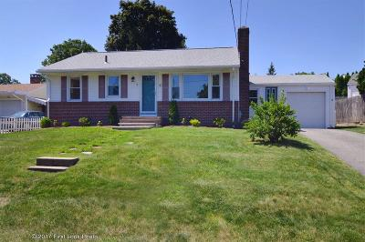Cranston Single Family Home For Sale: 7 Perennial Dr