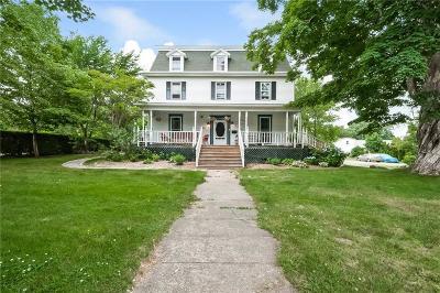 Narragansett Single Family Home For Sale: 75 Kingstown Rd