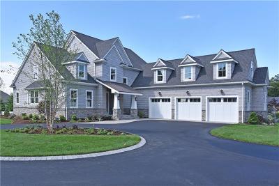 North Kingstown Single Family Home For Sale: 121 Rodman Lane