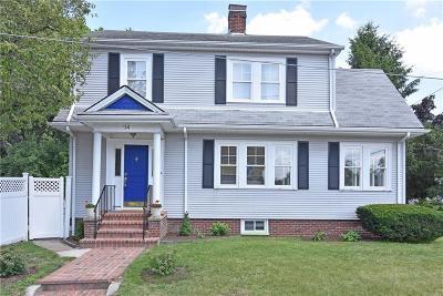 Cranston Single Family Home For Sale: 114 Alexander St