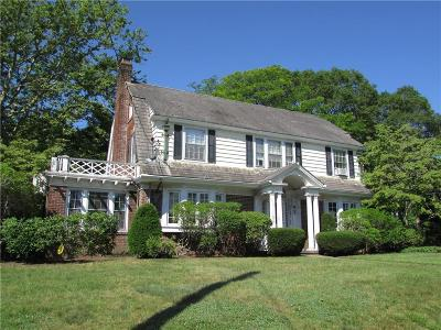 Woonsocket Single Family Home For Sale: 92 Oakley Rd