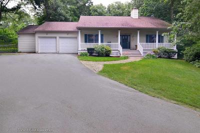 Cranston Single Family Home For Sale: 30 Royal Crest Dr