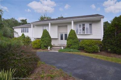 Johnston Single Family Home For Sale: 26 Birchtree Dr