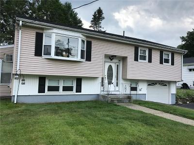 Woonsocket Single Family Home For Sale: 152 Poplar St