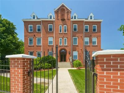 Pawtucket Condo/Townhouse For Sale: 169 George St, Unit#303 #303