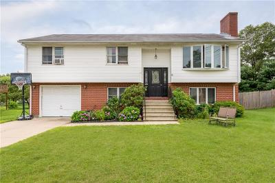 Cumberland Single Family Home For Sale: 6 Candida Ct