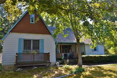 Kent County, Providence County, Washington County Single Family Home For Sale: 8 Carolina Main St