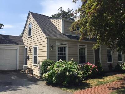 Cranston Single Family Home For Sale: 75 Applegate Rd