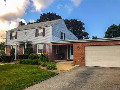 Cranston Single Family Home For Sale: 12 Buttonwoods Dr