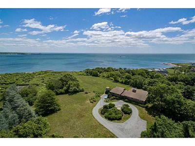 Narragansett Single Family Home For Sale: 35 Peaked Rock Rd