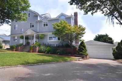 Warwick Single Family Home For Sale: 48 Gaspee Point Dr