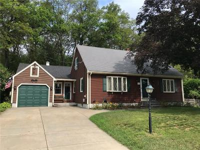 Woonsocket Single Family Home For Sale: 42 Nancy Ct
