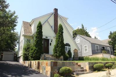 Cranston Single Family Home For Sale: 22 Haddon Hill Rd