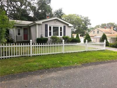 Cumberland Single Family Home For Sale: 9 Pequot Av