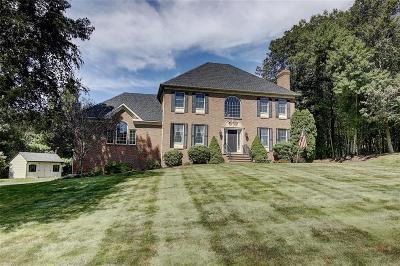 Smithfield Single Family Home For Sale: 11 Hunters Knoll