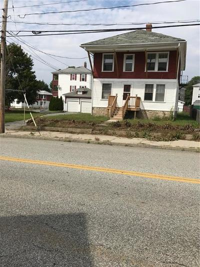 Woonsocket Multi Family Home For Sale: 398 - 400 Logee St