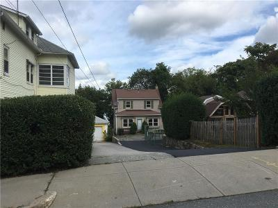 Woonsocket Single Family Home For Sale: 548 Bernon St