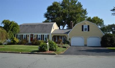 North Providence Single Family Home For Sale: 12 Carriage Wy