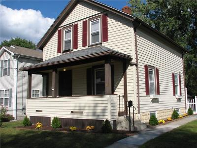 Cumberland Single Family Home For Sale: 15 England St
