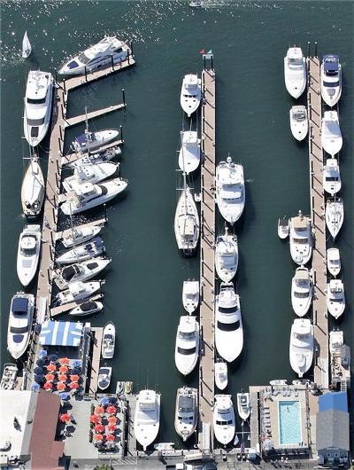 Newport Condo/Townhouse For Sale: 26 Lees Wharf Wharf, Unit#m40 #M40