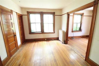 Newport Multi Family Home For Sale: 8 Spring St