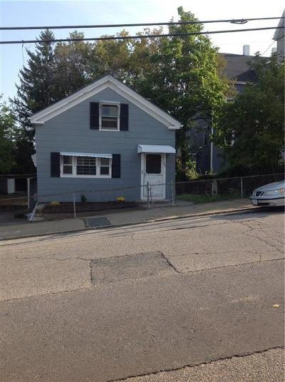 Woonsocket Single Family Home For Sale: 354 Bernon St