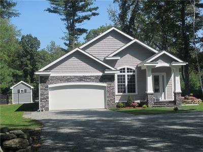 Glocester Single Family Home For Sale: 334 Tourtellot Hill Rd