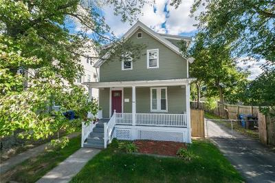 Cranston Single Family Home For Sale: 164 Norwood Av