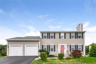 Cranston Single Family Home For Sale: 2 Paige Cir