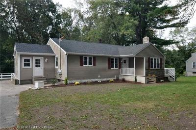 North Smithfield Single Family Home For Sale: 921 Woonsocket Hill Rd