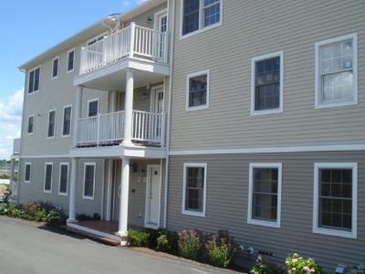Newport Condo/Townhouse For Sale: 231 Maple Av, Unit#203 #203