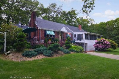 Johnston Single Family Home For Sale: 8 Juniper Lane