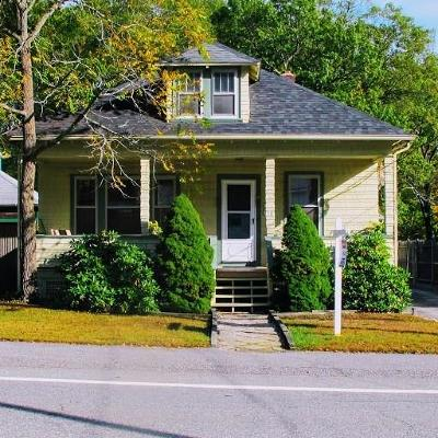 North Smithfield Single Family Home For Sale: 28 Greenville Rd