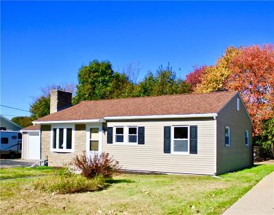 Woonsocket Single Family Home For Sale: 208 Marshall Rd