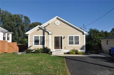 Cumberland Single Family Home For Sale: 7 Hope St