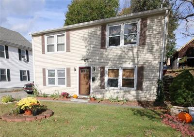 Woonsocket Single Family Home For Sale: 264 Diamond Hill Rd