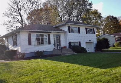Cumberland Single Family Home For Sale: 24 Cadoret Dr