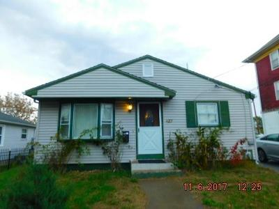 Kent County, Providence County, Washington County Single Family Home Act Und Contract: 427 Weeden St