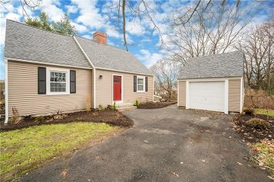 North Providence Single Family Home For Sale: 440 Smithfield Rd