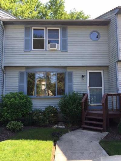 Cranston Condo/Townhouse For Sale: 245 Mayfield Av, Unit#3 #3