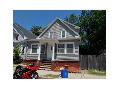 Cranston Single Family Home For Sale: 325 Bay View Av