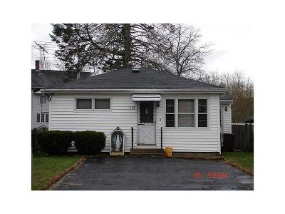 Woonsocket Single Family Home For Sale: 348 Park Pl