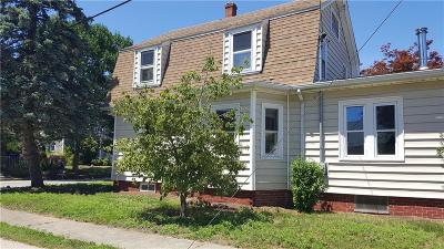 East Providence Single Family Home For Sale: 124 Smith St