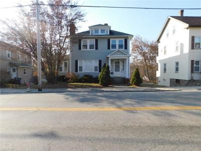 Single Family Home For Sale: 1431 Main St
