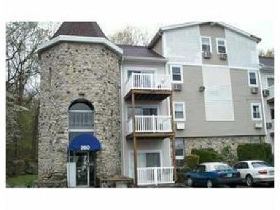 Johnston Condo/Townhouse For Sale: 260 George Waterman Rd, Unit#302 #302